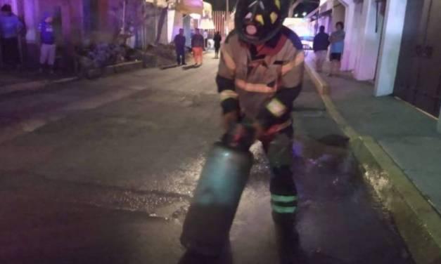 Explosión por acumulación de gas deja 8 heridos en Tláhuac