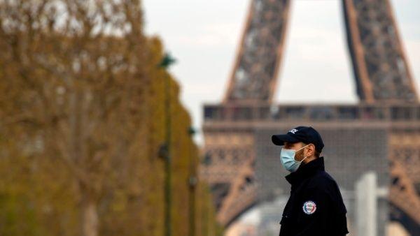 Francia prepara estrategia nacional de desconfinamiento