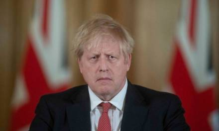 Boris Johnson, primer ministro británico, fue ingresado a terapia intensiva por COVID-19