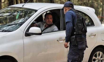 Policías tratan de concientizar a la población