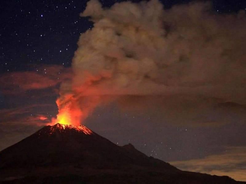 15 volcanes registraron explosiones en la misma noche