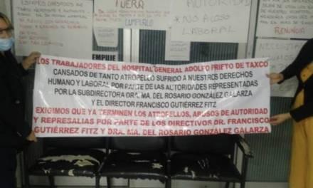 Trabajadores de hospital de Taxco cierran oficina de Gobierno