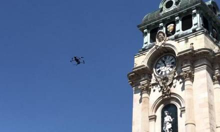 Drones alertan de la pandemia a la población