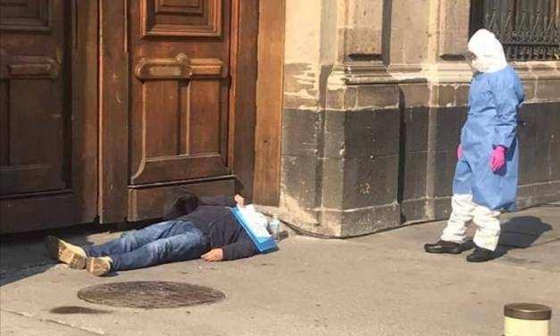 Hombre con COVID-19 se manifiesta en Palacio Nacional
