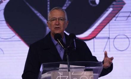 Nuevamente Salinas Pliego arremete contra medidas sanitarias