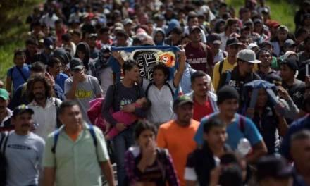 Alistan nueva caravana migrante; estiman que 30 % tendrían COVID-19