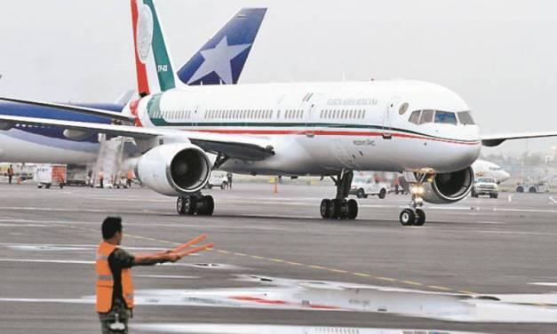 Avión presidencial regresa a México