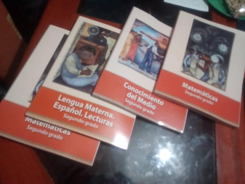 Hay rezago de 21 por ciento en entrega de libros de texto en Hidalgo
