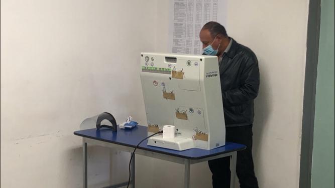 Funcionan 40 urnas electrónicas en esta jornada electoral