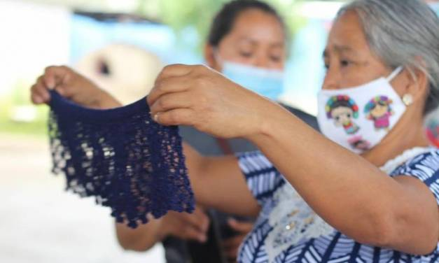 En Jaltocán las mujeres reciben capacitación para emprender micronegocios