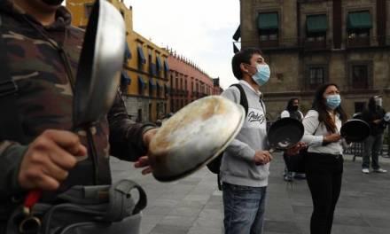 Restaurantes realizan «cacerolazo» en Palacio Nacional, se rebelan contra cierre