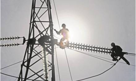 Restablecen 80% del servicio eléctrico; hasta mañana estaría controlado