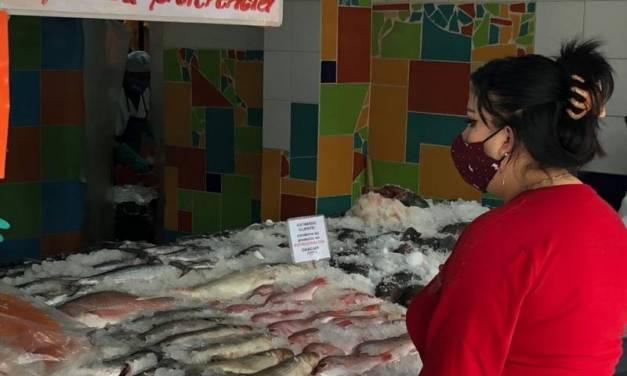 Comerciantes de mariscos esperan no verse afectados en curesma