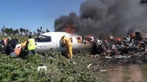 Se desploma avión de la Fuerza Aérea Méxicana, hay seis muertos
