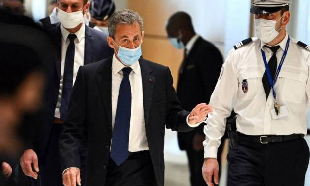 Dan 3 años de prisión a expresidente de Francia