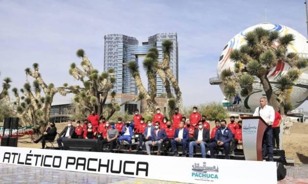 Sergio Baños presenta al Club Atlético Pachuca