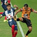 Tuzos vencen a Monterrey y tienen vida en el torneo