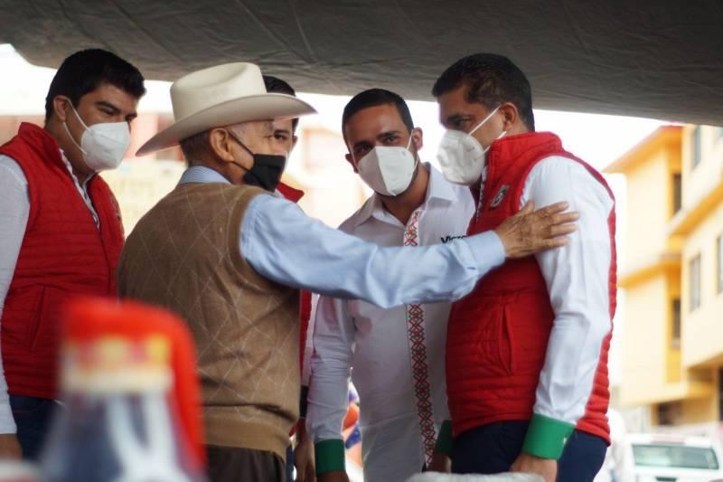 Julio Valera fortalece campaña de aspirantes en Sierra y Huasteca