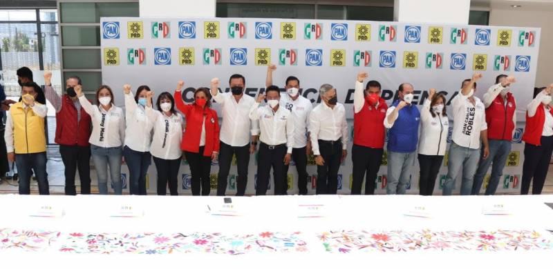 Liderazgos del Senado respaldan las candidaturas de Va por México