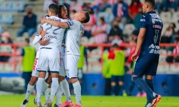 Pachuca elimina a Chivas y jugará liguilla
