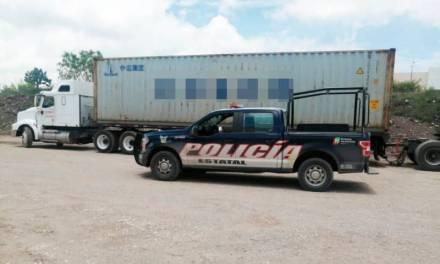 Recupera Policía Estatal tractocamiones con reporte de robo