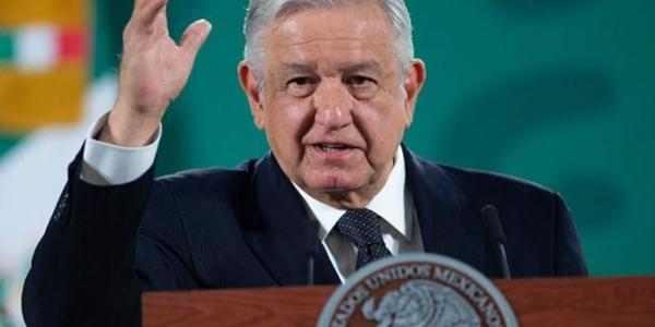 AMLO arremete contra la UNAM